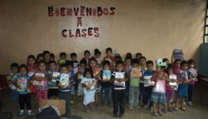 A class of kids from primary school we visited in San Pablo Jocopilas